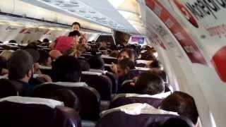 getlinkyoutube.com-Полёт из  ГРУЗИИ в Киев с поющими в самолёте грузинами (2013)