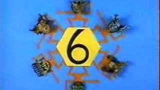 getlinkyoutube.com-Sesame Street - Masked Dancers 10 -1