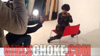 getlinkyoutube.com-Pebblez Da Model Needed An Extra Large Chair For Her X-Tra Large Ass