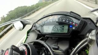 getlinkyoutube.com-2014 Kawasaki ZX10-R: 200KM/h Test for Beginner Rider