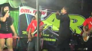 getlinkyoutube.com-dangdut hot saweran parah