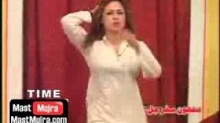 getlinkyoutube.com-Wey Gujjara Wey - Honey Shezadi Mujra
