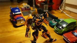 getlinkyoutube.com-An Autobot's Life Ep1: Bee's Emotions. TF4 stop-motion