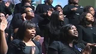 getlinkyoutube.com-FGHT Dallas: Uncloudy Day - Beverly Crawford  (Apostle Murray's Homegoing )