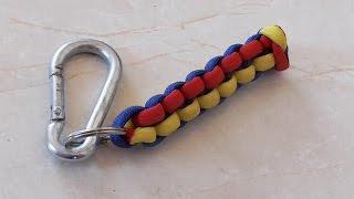 getlinkyoutube.com-How To Tie A Trinagle Stitch 3 Color Paracord Keychain
