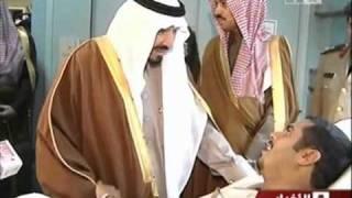 getlinkyoutube.com-الأمير سلطان وإصراره على تقبيل رؤوس جنوده - PRINCE SULTAN