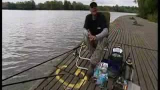 getlinkyoutube.com-Matt Hayes feeder fishing PART 1