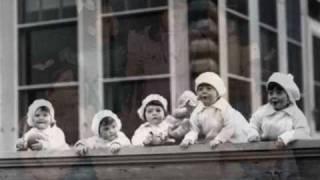 getlinkyoutube.com-The Dionne Quintuplets