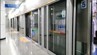 getlinkyoutube.com-[FHD]KORAIL盆唐線 清明駅 往十里行 351000系1次車 発車(再開閉あり)