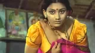 getlinkyoutube.com-Deepa Unnimary bendin n showin n clevage   YouTube