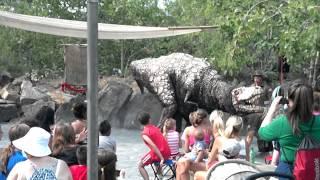 getlinkyoutube.com-Dinosaurio ataca niño