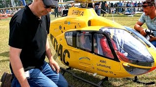 THE WORLD´S BIGGEST RC SCALE MODEL TURBINE HELICOPTER EC-135 ADAC NOTARZT CHRISTOPH 33
