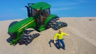 BRUDER tractor BEACH ride! R/C Tractor sand action