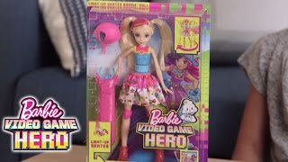 getlinkyoutube.com-Roll Into the Game! Unbox the Light-up Skates Barbie Doll from Barbie Video Game Hero | Barbie