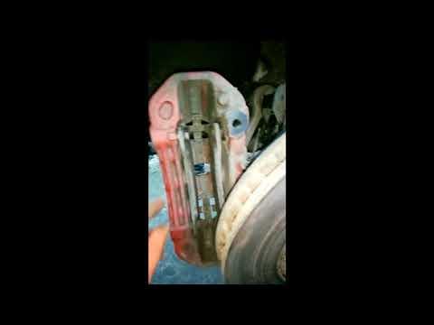 Порш Кайен/Porsche Cayenne 2013г. замена передних тормозных колодок