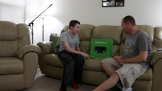 getlinkyoutube.com-Xbox One SURPRISE For My 13-Year-Old Son! (HIDDEN CAMERA)