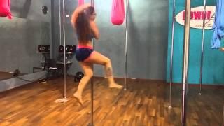 getlinkyoutube.com-Mi primer coreografía de Pole Dance
