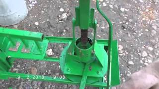 getlinkyoutube.com-Two small briquette presses