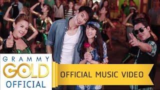 getlinkyoutube.com-เงยหน้าขึ้นฟ้า (Feat.โจ๊ก So cool) - ตั๊กแตน ชลดา【OFFICIAL MV】