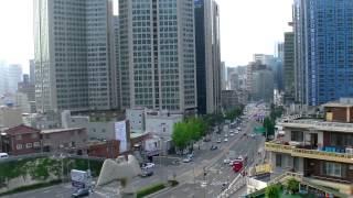 2017 首爾自由行 - 明洞出發爬坡到南山纜車站搭纜車到N首爾塔,回程乘電梯下坡往南大門