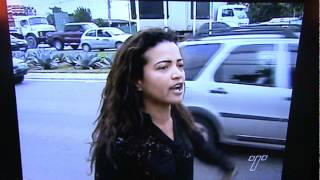 getlinkyoutube.com-Mulher tira a roupa na Avenida - Carapina/ Serra - es