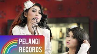 getlinkyoutube.com-LAGU TERBARU : Duo Serigala - Sianida (Official Lyric Video)