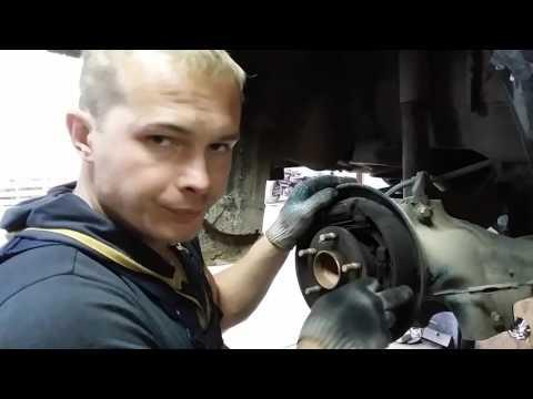 Как поменять задние тормозные колодки Форд Фокус 2