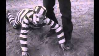 getlinkyoutube.com-The Adventurer (1917) Charlie Chaplin--The Opening Chase