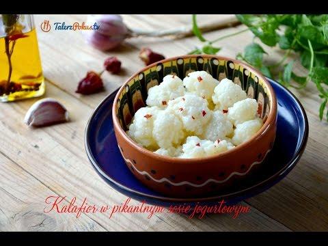 Kalafior w pikantnym sosie jogurtowym