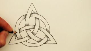 getlinkyoutube.com-How to Draw a Celtic Knot: The Triquetra with a Circle