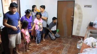 getlinkyoutube.com-ชาวบ้าน จ อุดรฯ ตื่นรอยพญานาค ขนาดใหญ่ เลื้อยเต็มบ้าน 2หลัง