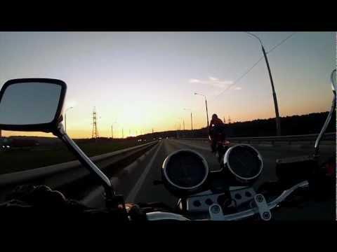 На мотоцикле по дамбе, Калуга