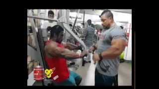 getlinkyoutube.com-Workout and posing session with ifbb pro roelly winklaar
