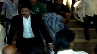 getlinkyoutube.com-Chiranjeevi 60th Birthday Party | Pawan kalyan Attends for 5Min Only| Check This