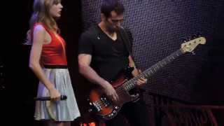 getlinkyoutube.com-Taylor Swift - Stay Stay Stay Live!