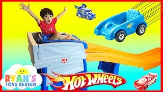 getlinkyoutube.com-STEP2 ROLLER COASTER HOT WHEELS EXTREME THRILL COASTER Ride On Car Toys for Kid Ryan ToysReview