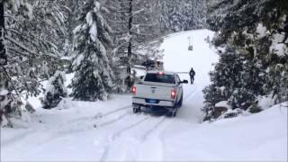 getlinkyoutube.com-Powerstroke Vs. Cummins in snow