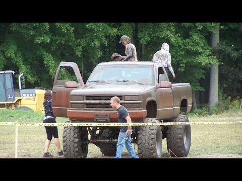 Loud 4x4 Mud Trucks - Full Version - Gopher Dunes Fall Mudfest 2013