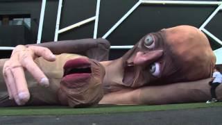 getlinkyoutube.com-Marioneta Gigante !!! Increible