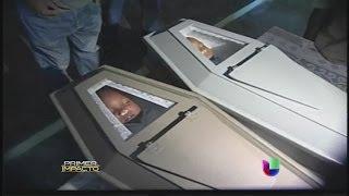 getlinkyoutube.com-Inesperada reacción de un padre en el velorio de sus hijos en República Dominicana - Primer Impacto