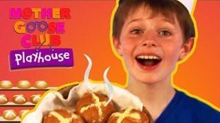 getlinkyoutube.com-Hot Cross Buns | Mother Goose Club Playhouse Kids Video