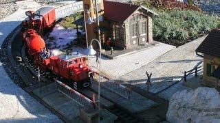 getlinkyoutube.com-Waldbrand auf unserer LGB Gartenbahn mit Einsatz des Feuerlöschzuges