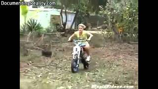 getlinkyoutube.com-Idiots on motorbikes