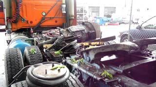getlinkyoutube.com-detroit diesel series 60,  roadway jifflox volvo truck  with air start to burkina faso.