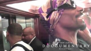 Snoop Dogg Rap dans un ascenseur à Paris