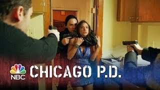 getlinkyoutube.com-Chicago PD - The Escape King (Episode Highlight)