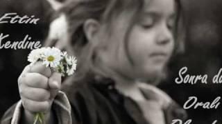GÜLLÜ BİR YIL VeRDİk ( DİNLEMEYE DEĞER ) şarkısı dinle