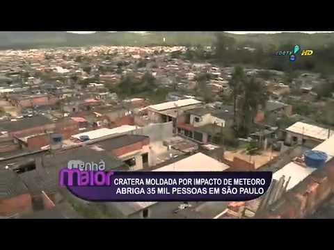 Pessoas vivem dentro de cratera em São Paulo