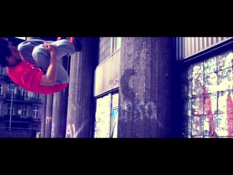 Mrozu feat. KASTA - Globalnie (official profile video)