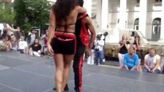 getlinkyoutube.com-Kizomba Morenasso & Anaïs Millon.MPG
